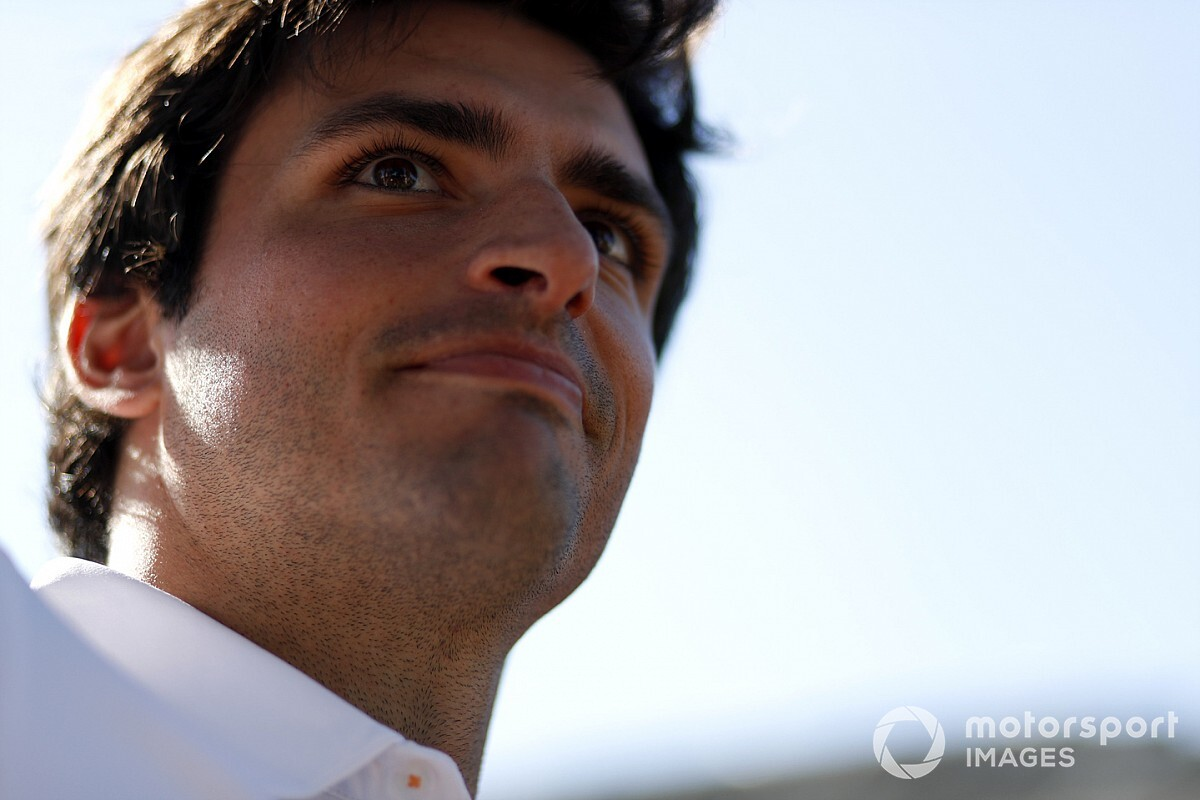 Officieel: Ferrari legt Sainz vast als opvolger van Vettel