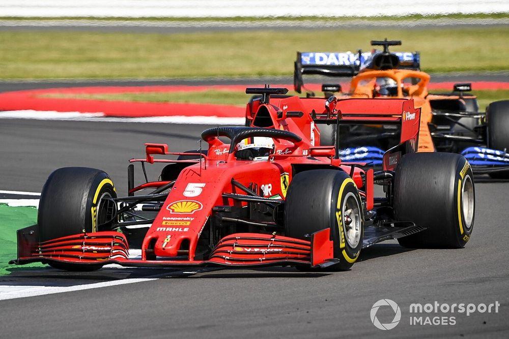 Ferrari пожертвовала Феттелем ради Леклера? Себастьян недоволен тактикой команды