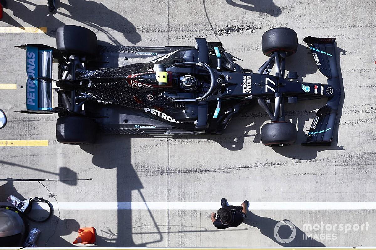 Mercedes быстрее всех на третьей тренировке в Сильверстоуне, Хюлькенберг догоняет Стролла