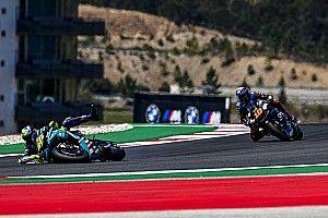 """Rossi: """"Fue extraño adelantar a mi hermano en Portimao"""""""
