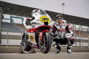 ヤマハ、MotoGP参戦60周年を記念する特別カラーリング発表。クラッチローがテストで使用