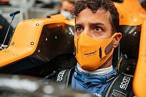 Fotos: Ricciardo se viste de McLaren F1 para hacerse el asiento