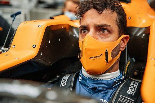Ricciardo Ukur Jok Kokpit McLaren MCL35M