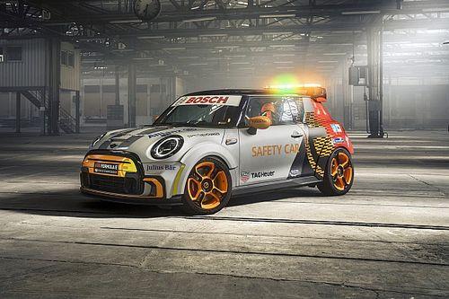 MINI Electric Pacesetter, ecco la nuova Safety Car della Formula E