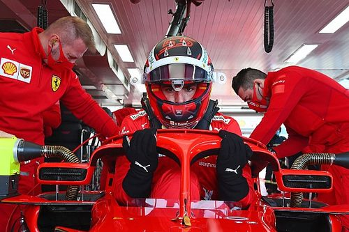 Leclerc dan Sainz Libas 85 Lap dengan Ban Slick 18 Inci