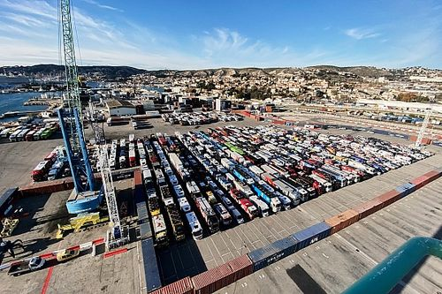 Peserta Reli Dakar Mulai Diangkut dari Marseille