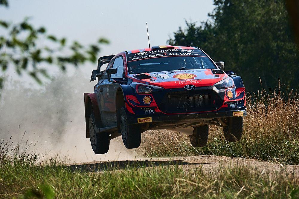 WRC, Rally Estonia, PS6: Neuville si avvicina a Ogier