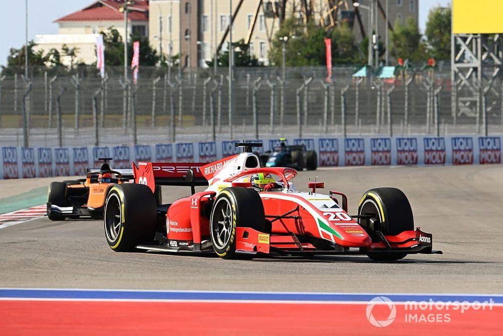 【動画】2020年FIA F2ソチ戦レース1ハイライト