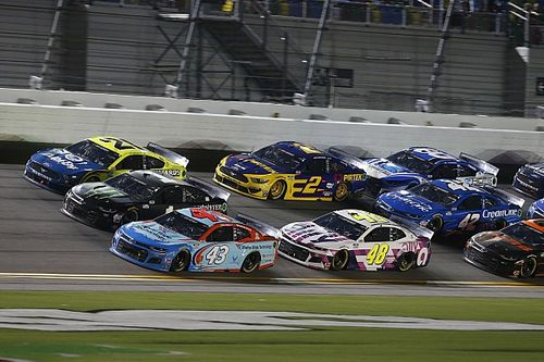 What time and channel is the NASCAR race at Daytona?