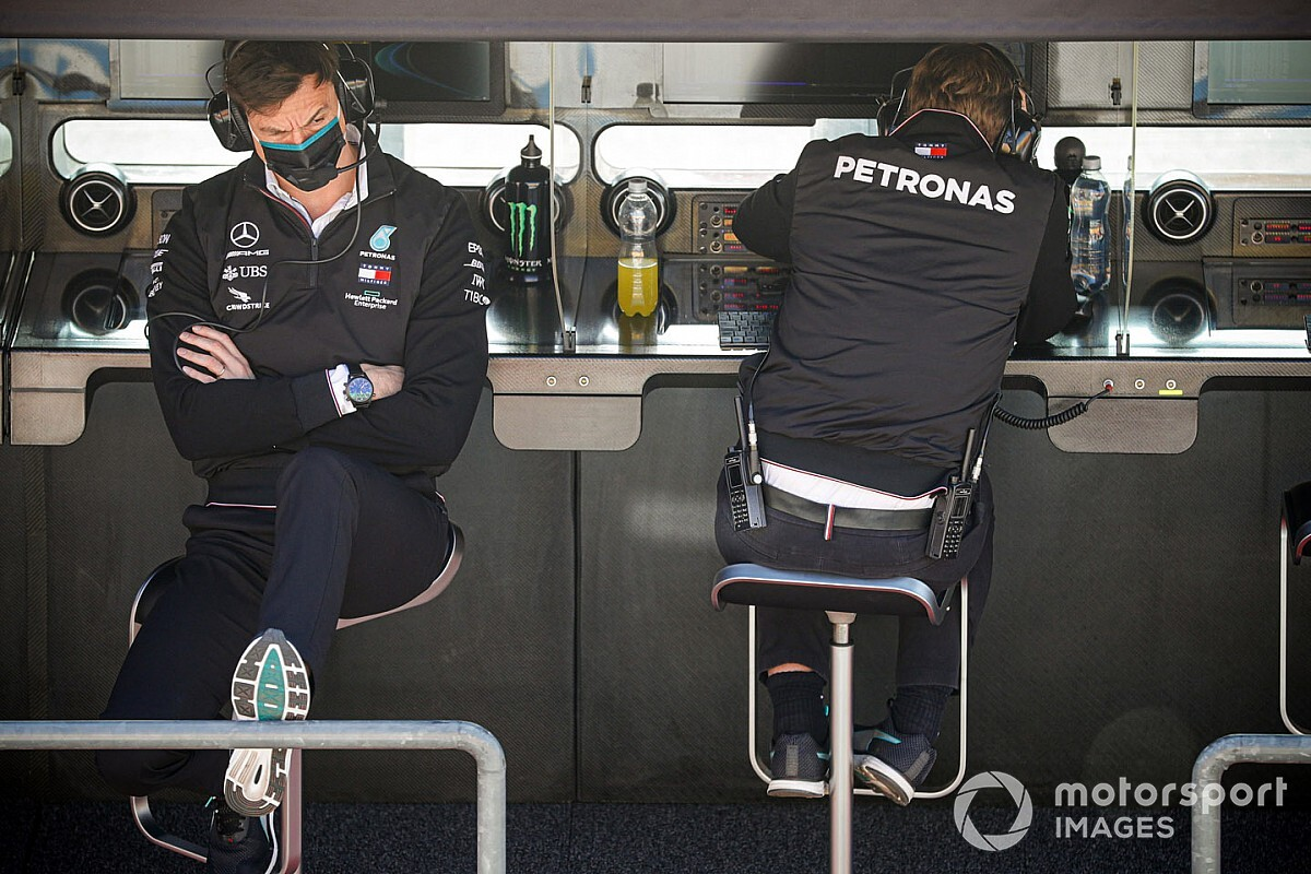 "Wolff: Mercedes still haunted by ""scepticism and pessimism"""