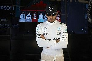 Hamilton: I want to end career as successful as Rossi