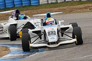 Formula 4 Reporte de la carrera Doble victoria y liderazgo para Garese en la F4 Sudamericana