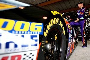 "Hamlin crashes, apologizes for ""embarrassing"" mistake"