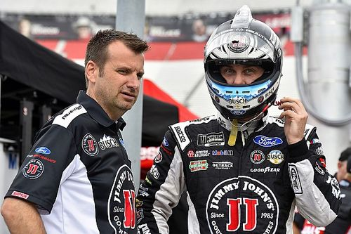 Harvick's crew chief Rodney Childers fined for lug nut infraction