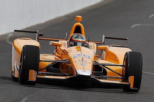 """Alonso diz que carro """"se guiava sozinho"""" em teste da Indy"""