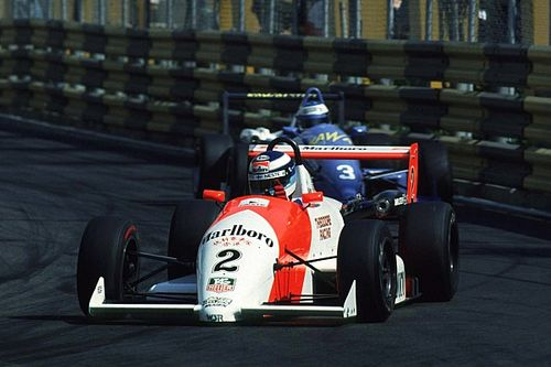 VIDEO: Schumacher vs. Hakkinen gran duelo en Macao 1990