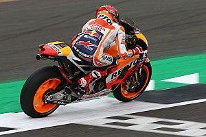 【MotoGPイギリス】予選:マルケス渾身のアタックでPP。ロッシ2番手