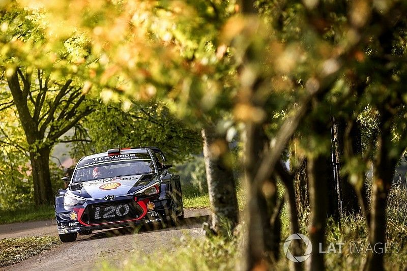 Neuville denies he'll try to slow Ogier in Germany