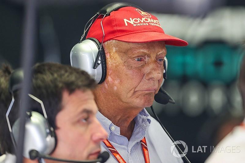 """Lauda défend Verstappen: """"La pire décision jamais vue"""""""