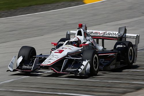 Castroneves centra a Road America la pole numero 50 della carriera