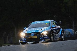 Moffat stays with Laser Tools for fifth BTCC season