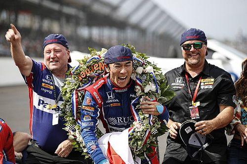 Что писали в соцсетях про сход Алонсо (и победу Сато) в Indy 500