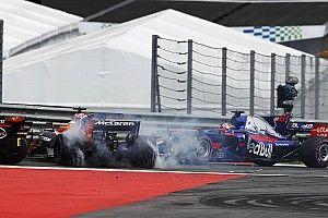 "Alonso: Turn 1 crash down to Kvyat taking ""unnecessary"" risk"