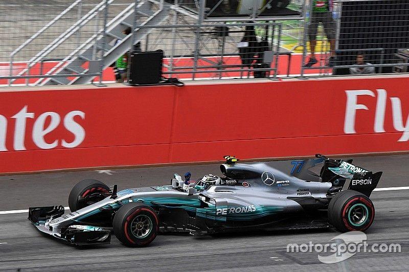 Stand: Vettel doet goede zaken, Verstappen zakt weg naar zevende plaats