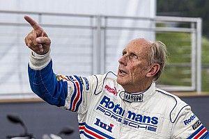 Легендарный гонщик нашел способ спасти DTM