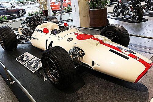 【F1】サーティース追悼、ホンダRA300が青山に展示中