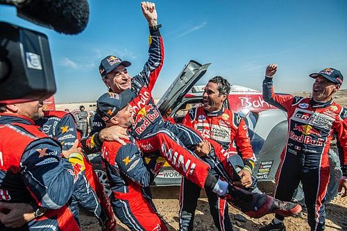 """Dakar, Sainz: """"Vittoria ottenuta grazie a enormi sacrifici"""""""