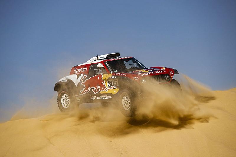 10 percre csökkent Sainz előnye a Dakaron, megérkezett Peterhansel