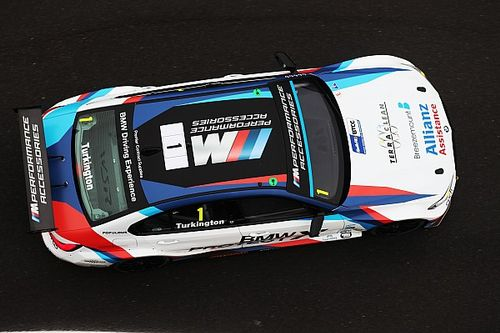 Brands Hatch BTCC: Turkington on pole as Jordan crashes