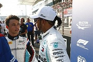 Де Врис: Williams? Формально я в Mercedes