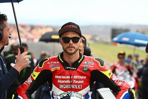 Camier secures World Superbike stay with Barni Ducati