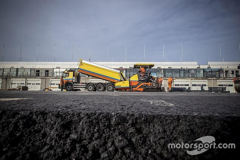 Mi minden készült el egy hét alatt a holland F1-es pályán Zandvoortban?