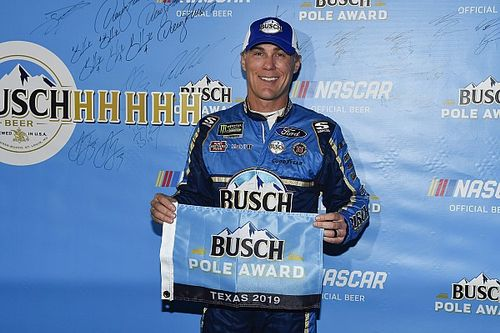Kevin Harvick wins the pole for Texas playoff race