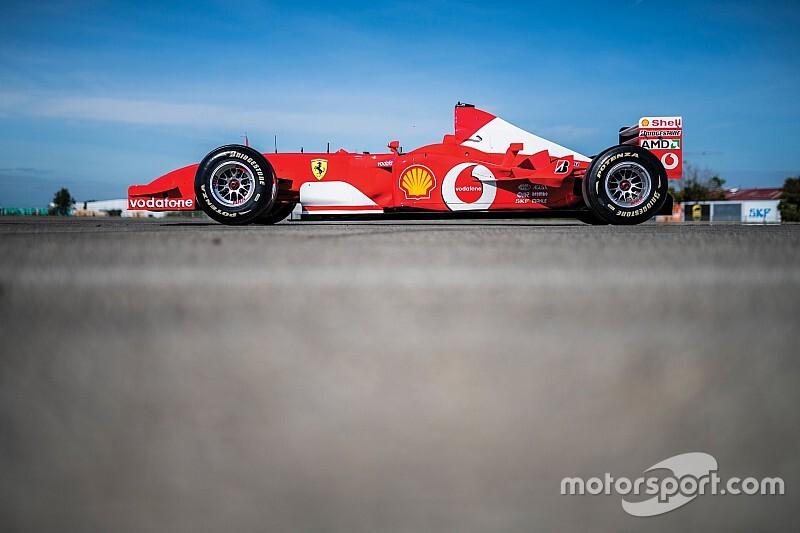 Schumacher'in F2002'si 5.9 milyon dolara satıldı