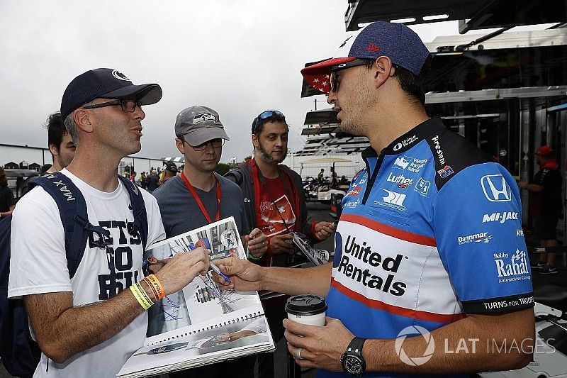 Rahal says IndyCar fans deserve raceday warm-up sessions