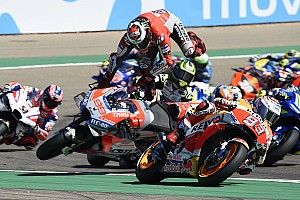 "Lorenzo: ""Marquez destroyed my race and my foot"""