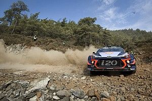 Turkey WRC: Neuville takes lead in drama-filled afternoon