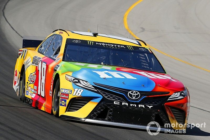Kyle Busch dominates Stage 2 at Kentucky