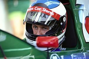 Cómo Schumacher pareció un veterano en su primera prueba en un F1