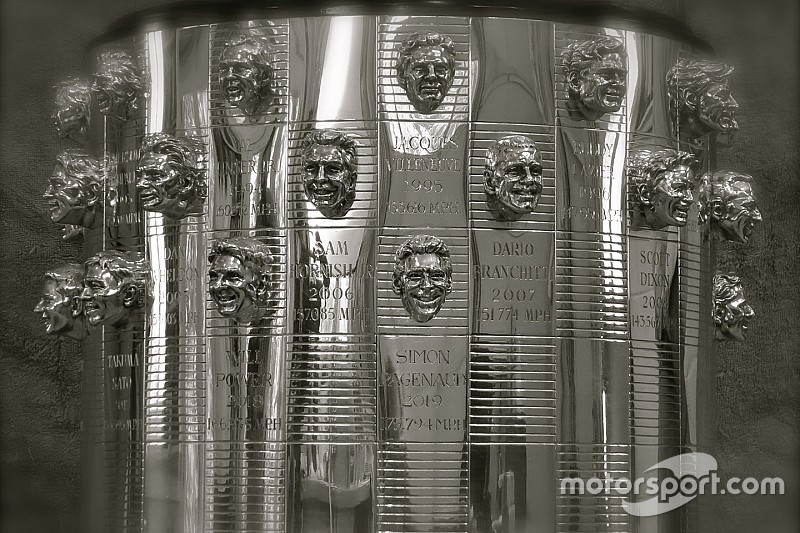 L'effigie de Simon Pagenaud désormais sur le Borg-Warner Trophy