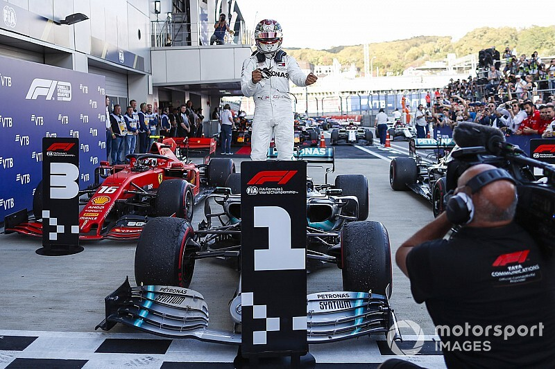 Russian GP: Hamilton snatches win amid Ferrari dramas