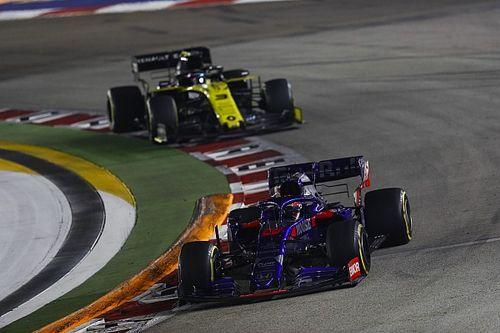 Videón Ricciardo nagyszerű manővere Kvjat ellen Szingapúrból