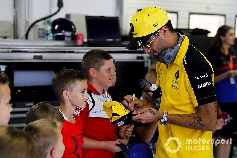 L'aneddoto sull'ultimo tatuaggio di Ricciardo e... sua madre!