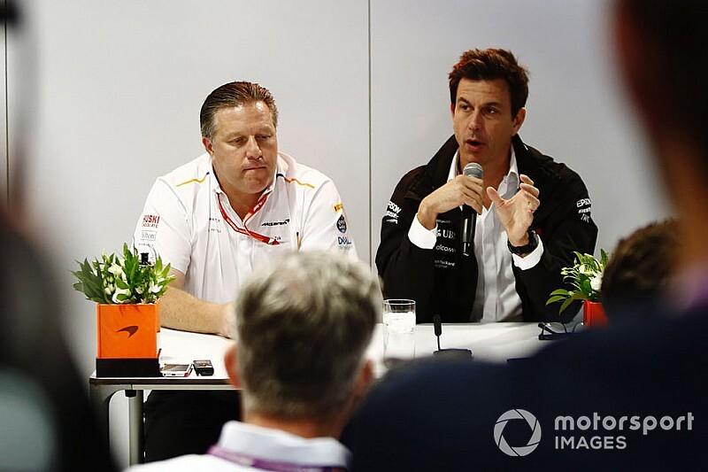 A Mercedes jobban beleillik a McLaren terveibe, mint a Renault