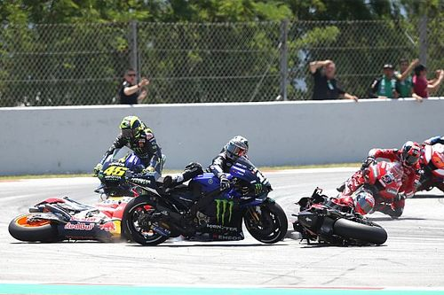 """Rossi gelaten, Viñales hekelt Lorenzo: """"Heeft onze race verknald"""""""
