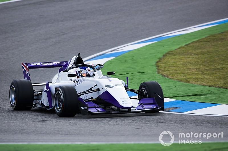 Hockenheim W Series: Serinin ilk yarışını Chadwick kazandı